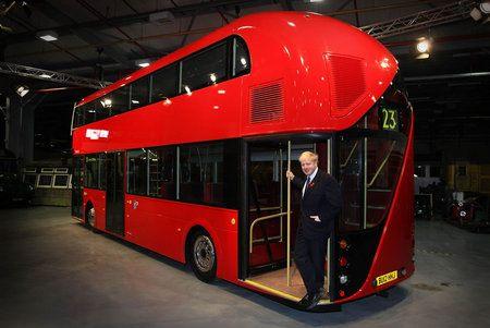 Ómnibus rojo de dos pisos de Londres - 3