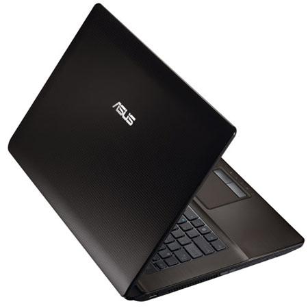 Asus K73, nueva laptop de 17,3 pulgadas