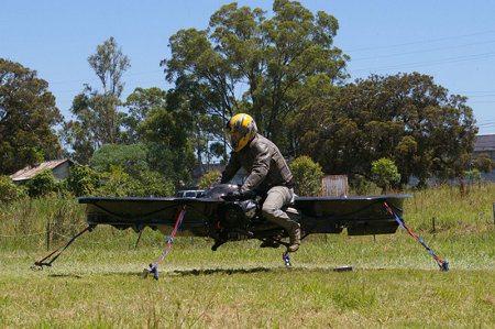 Joven australiano construye su propia aeromoto