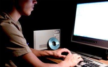Al Pentágono le robaron 24.000 archivos en un ciberataque
