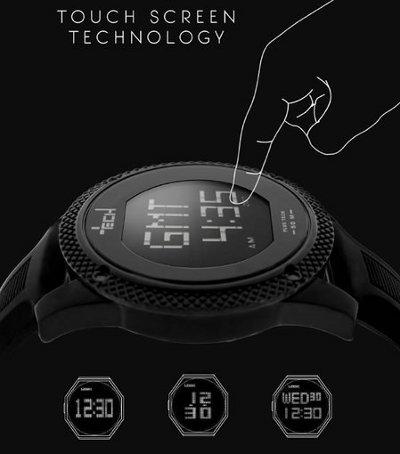 Plus Tech, el primer reloj con pantalla touch