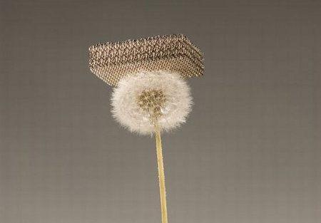 El material más liviano del mundo está hecho casi completamente por aire