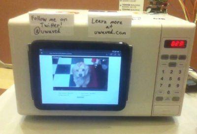 uWave, el microondas que reproduce videos de YouTube y envía tweets