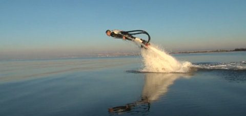 Este jetpack te deja nadar como los delfines