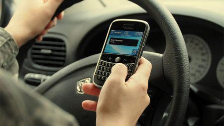 La NTSB norteamericana recomienda que se prohíba el uso de móviles mientras se conduce