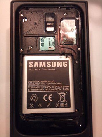 Samsung Galaxy S II Skyrocket explota en el bolsillo de su dueño2