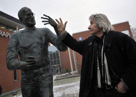Steve Jobs ya cuenta con su primera estatua2