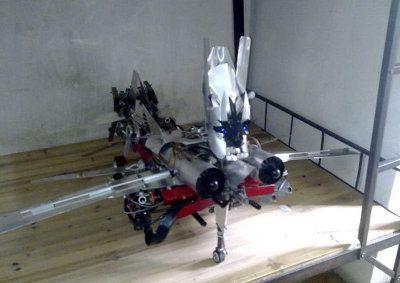 Un hombre chino ha construido su propio Starscream3