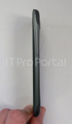 HTC One X, filtradas las primeras fotos del nuevo móvil con procesador Tegra 3 quad-core2