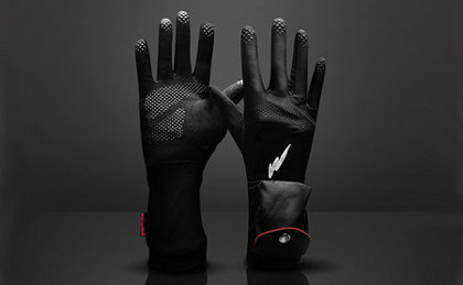 Warmthru, guantes que usan baterías para calentar tus manos