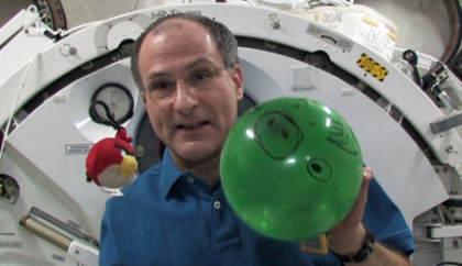 La NASA usa Angry Birds para explicar la microgravedad