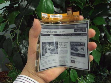 LG Display presenta pantalla electrónica flexible de 0,7mm de grosor
