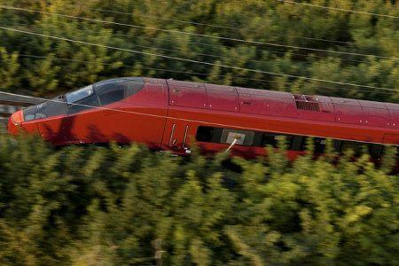 Italo, el nuevo tren de Ferrari que viaja a 560 kilómetros por hora2
