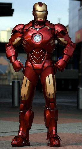 Genial traje de Iron Man hecho con cartón y fibra de vidrio
