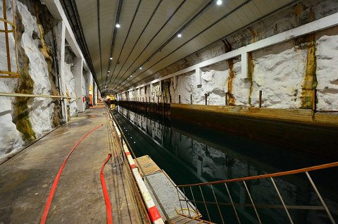Ya puedes tener tu propia base de submarinos por 17 millones3