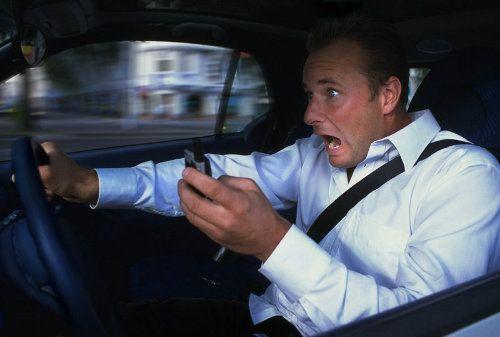 Investigadores desarrollan un sistema que bloquea nuestro móvil mientras conducimos