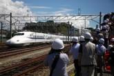 Japón estrena nuevo tren bala