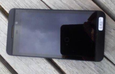 Fotografía filtrada de un smartphone BlackBerry 10