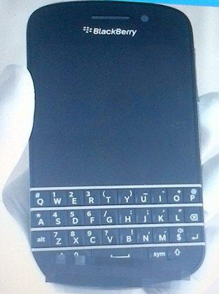 Primeras fotos de un BB10 con teclado QWERTY físico