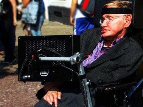 Intel ayuda a Stephen Hawking a comunicarse mejor