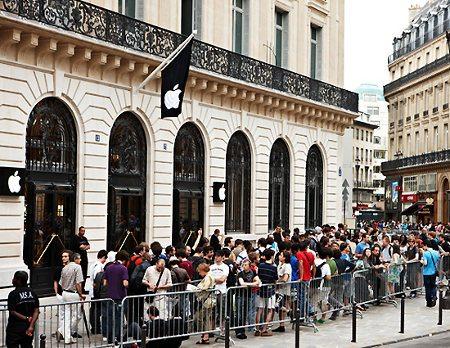 Ladrones asaltan tienda de Apple en París y se hacen con más de $1 millón de dólares