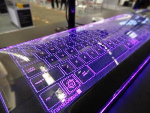 Luminae Glass Keyboard, un teclado muy llamativo