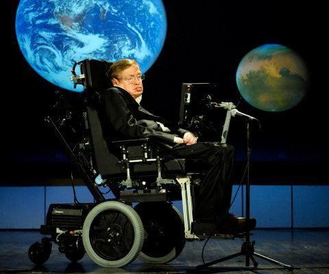 Stephen Hawking debemos escapar de la Tierra o perecer