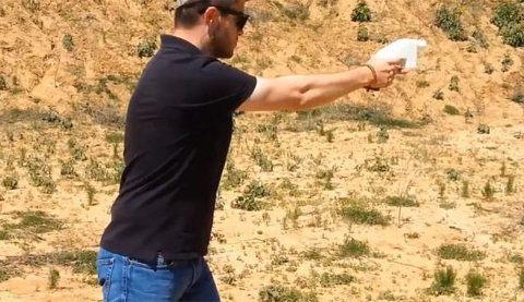La primer pistola hecha en impresora 3D en plena acción