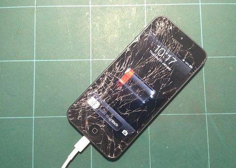 Los costos de reparación del iPhone cada vez son más elevados