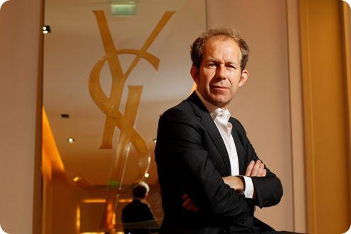 Apple trabajará con el CEO de Yves St Laurent en un proyecto especial