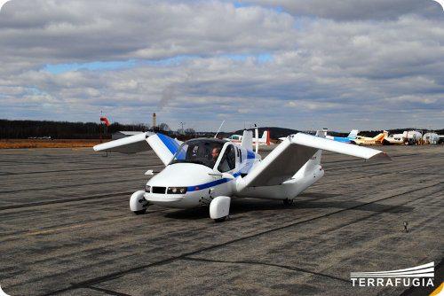 El auto Terrafugia completa su primer vuelo demostrativo