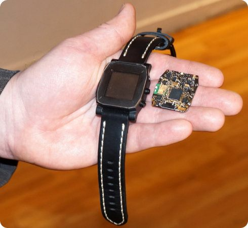 Agent un smartwatch multiplataforma, a prueba de agua y con una batería que durará hasta un mes