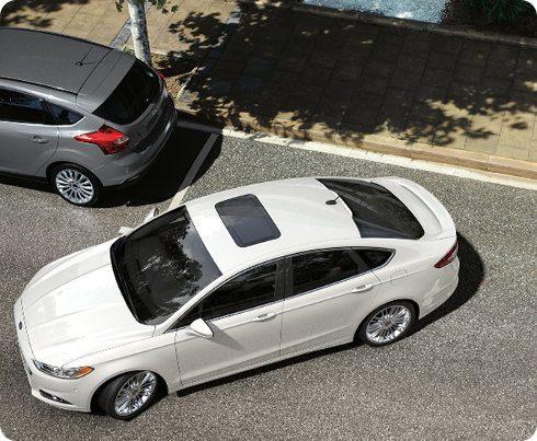 Ford presenta su sistema inteligente para estacionar autos