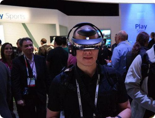Sony estrena un nuevo casco de realidad virtual: el HMZ-T3Q
