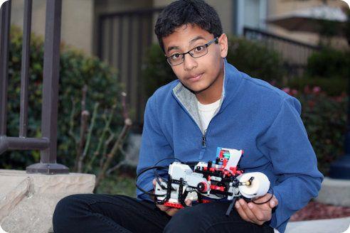 Un joven de 12 años crea una impresora braille usando Legos