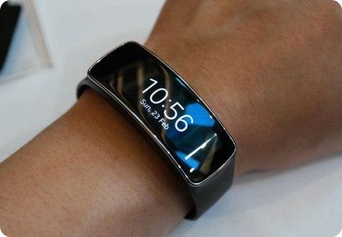 La Gear Fit puede ser sincronizada con dispositivos de múltiples marcas