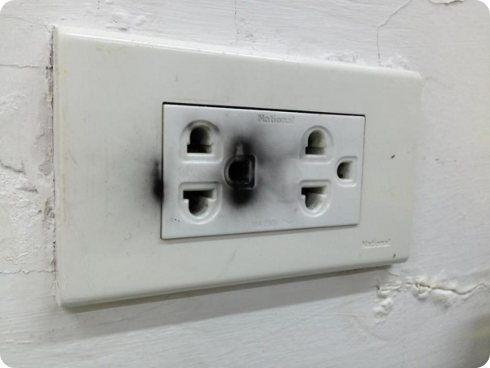 Otro usuario del iPhone es afectado por una explosión del cargador