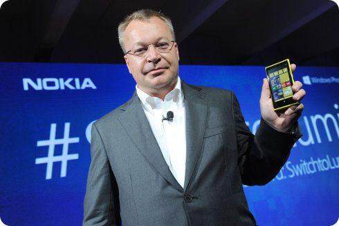 Stephen Elop presenta nuevos smartphones Windows Phone en una reunión privada