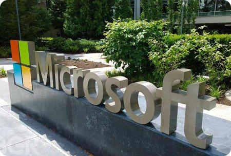 Microsoft anunciaría hoy un híbrido entre móvil y notebook