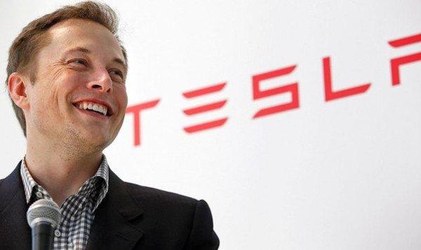 Elon Musk busca controlar el avance de la inteligencia artificial
