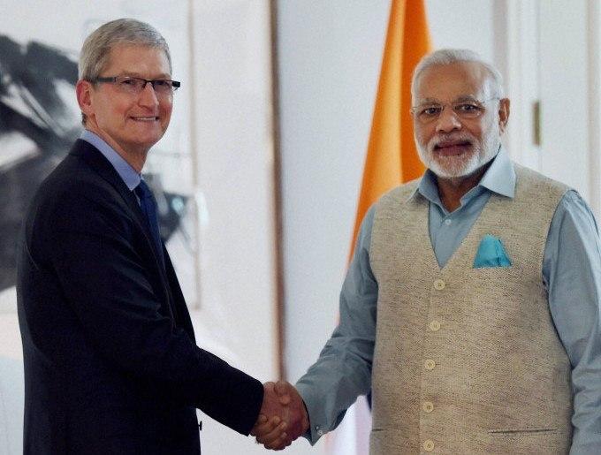 CEO de Apple se reúne con el primer ministro indio