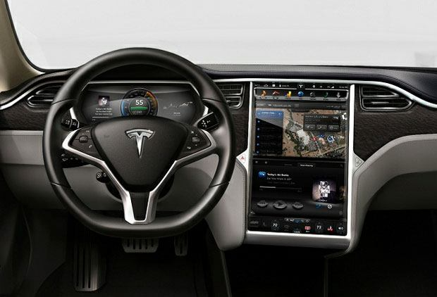 dueño de un Tesla, primer muerto por piloto automático