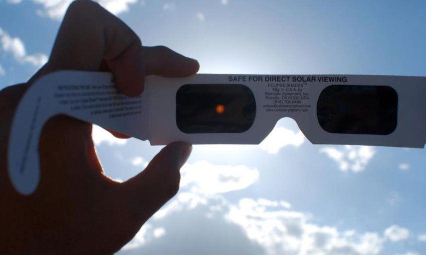 gafas para eclipse solar total