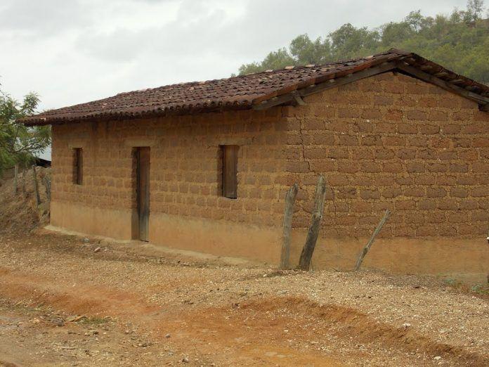 Una casa de barro es un ejemplo de que la técnica también es parte de las llamadas tecnologías fijas